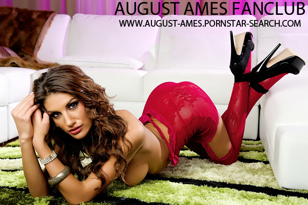 Canadian Pornstar August Ames - Click here !